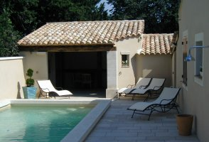 Piscine construction pool house aix en provence lan on de for Construction pool house piscine
